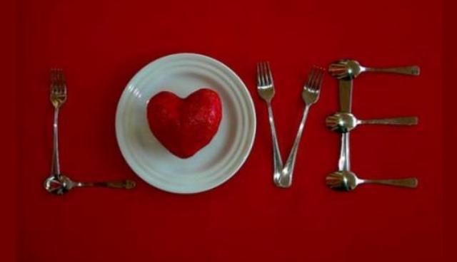 Sevgililer Günü Yemek Masası Nasıl Hazırlanır?