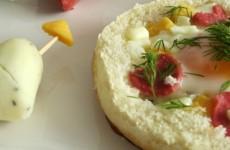 Peynirli Yumurtalı Kanepe ve Peynirden Kalp Tarifi