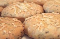 Peynirli ve Haşhaşlı Bisküvi Tarifi