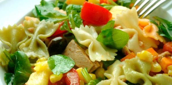 Ton Balıklı Makarna Salatası Tarifi