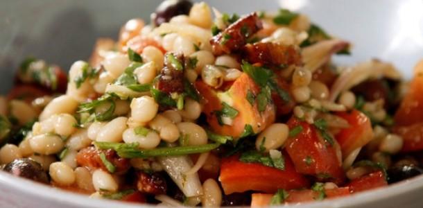 Fasulye Piyaz Salatası Tarifi