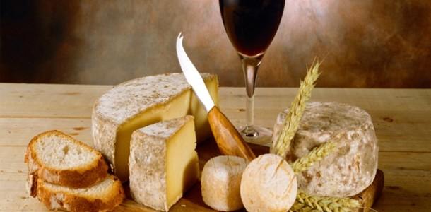 Kırmızı Şaraba Uygun Peynir Çeşitleri Nelerdir?
