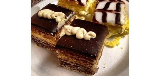 Çikolata Soslu Kağıt Helva Pastası Tarifi