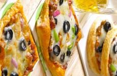 Kahvaltılık Milföy Pizzaları Tarifi